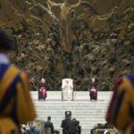 Папа: Ближні – не перешкода для свободи, але можливість її здійснити